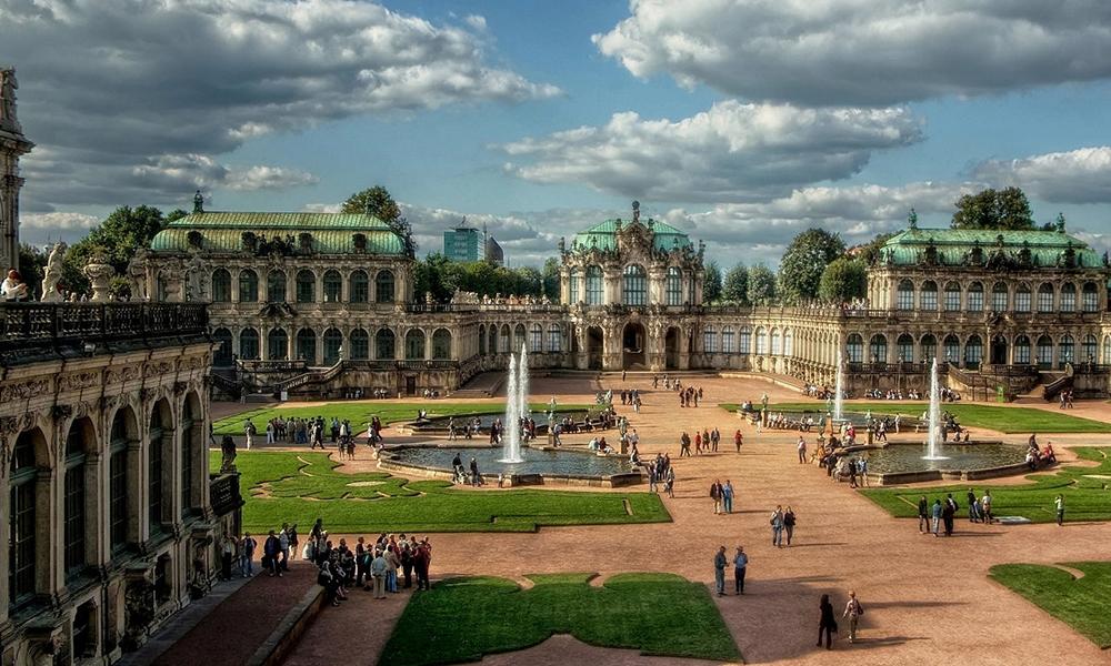 Палац Цвінгер, ТОП 9 найкращих місць Німеччини
