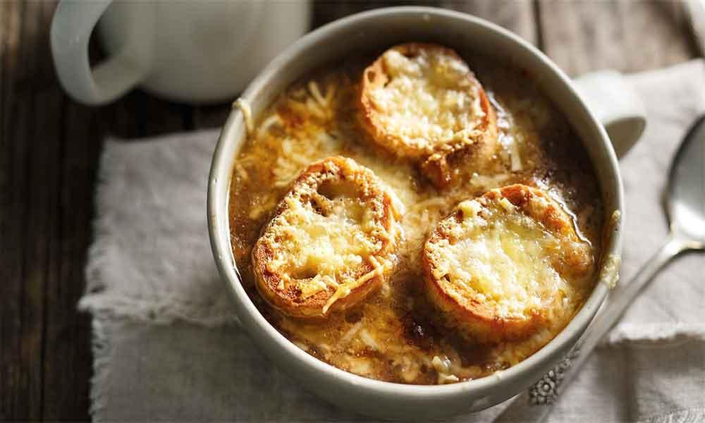 креммідосупа або суп з цибулі по-грецьки